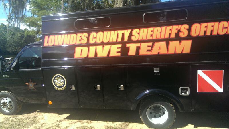 Sheriff's deputies search for gun in Flint River at ...
